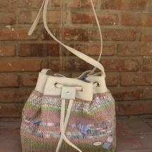 Woven Shoulder bag with stripes and Beige leather