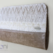 Woven clutch in white and beige