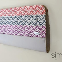 Woven clutch with zic zac pattern
