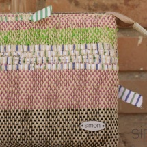 Woven, handmade beauty bag: purse detail