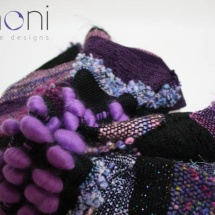 Woven purple and black shawl : detail