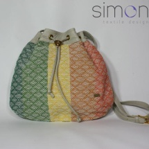 Woven shoulder bag with light grey leather