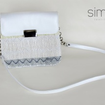 Woven shoulder bag with white leather