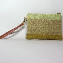 Hand-woven purse with patterns