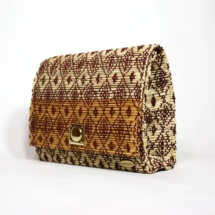 clutch with raffia