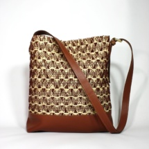 neutral shoulder bag with raffia and cottonshoulderbaga6